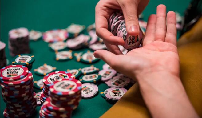 【PokerStars】牌局分析:别再犯这种错误 头铁一无所有!