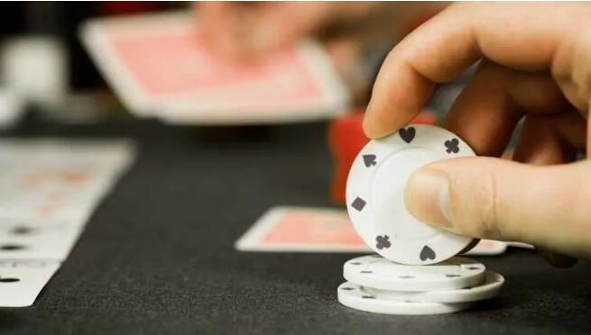【PokerStars】德扑策略   遇到翻前跛入的对手 怎么对付他?