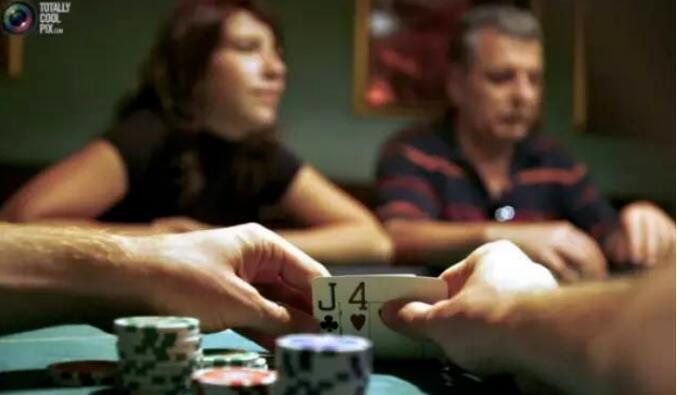 【PokerStars】德州扑克五种最牛诈唬术 合集