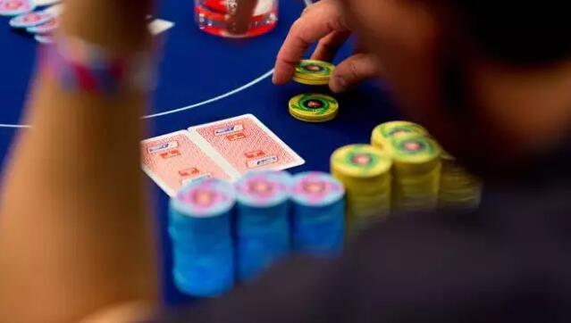 """【PokerStars】如何游戏""""弱A高牌"""""""