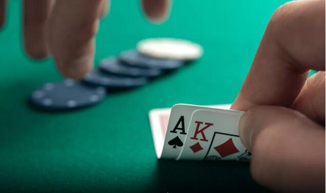 【PokerStars】扑克小测验:你能用AK赢多少个底池?